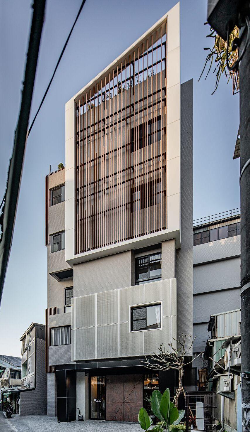 Oinn Hotel & Hostel