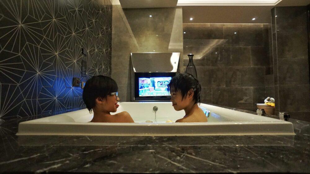 大浴缸摩鐵